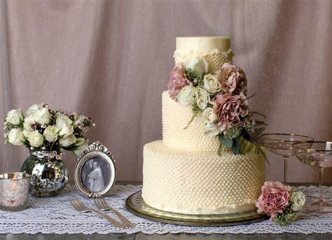 Swiss Dot Lace   Wedding Cake Icing Types   POPSUGAR Food