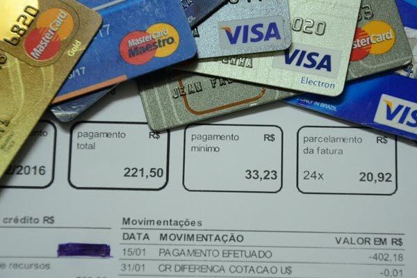 Resultado de imagem para rotativo do cartão de crédito novas regras