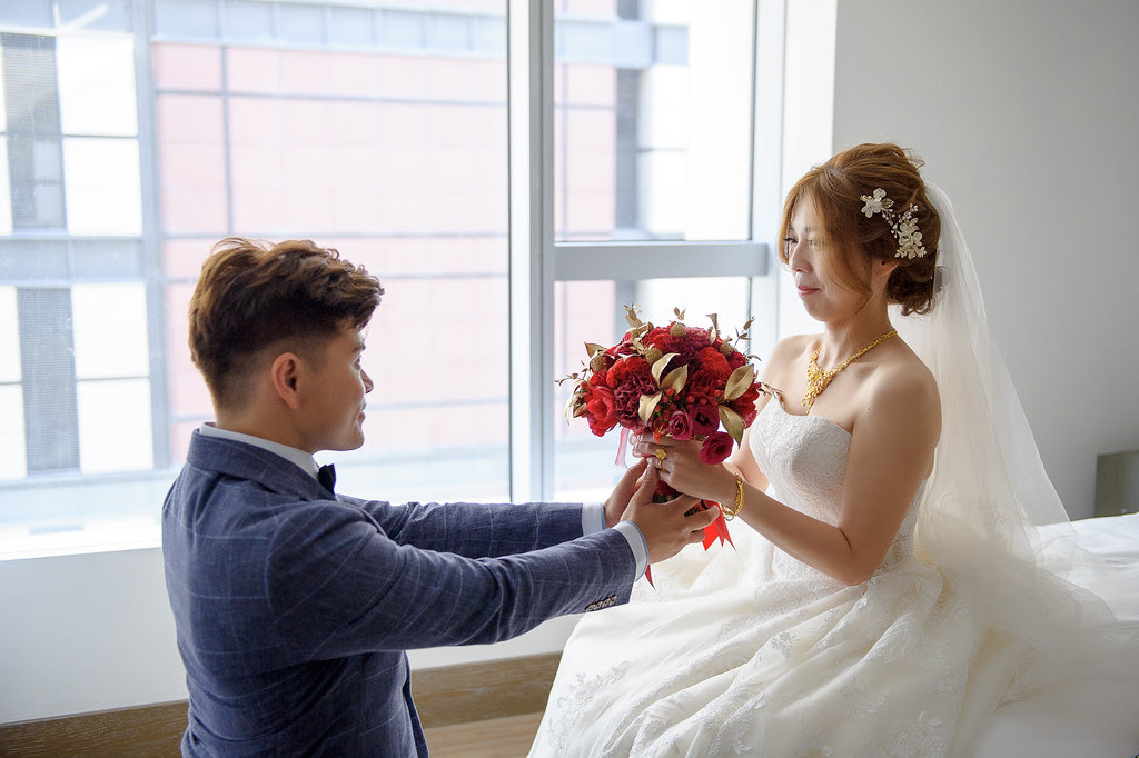 086捧花交給新娘