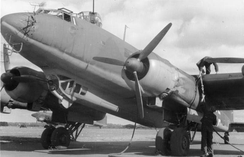 Bundesarchiv Bild 101I-482-2874-03A, Focke-Wulf Fw 200 Condor