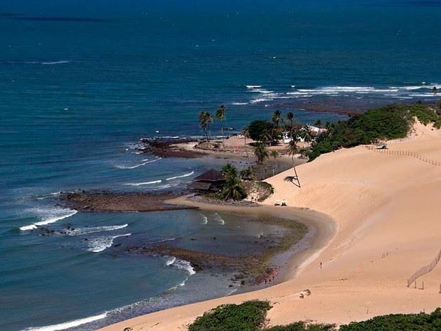 Foto aérea mostra as dunas de Jenipabu, um dos principais cartões postais do Rio Grande do Norte (Foto: Canindé Soares)
