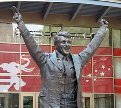 Herb Brooks photo Brooksstatue.jpg