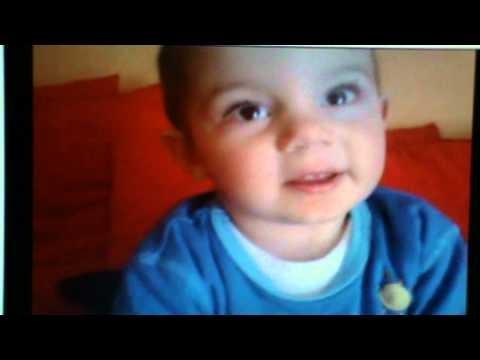 Bambino di 2 anni e mezzo dice la formazione del Napoli.