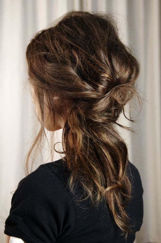LE FASHION BLOG HAIR INSPIRATION 3 ROMANTIC UNDONE LOOKS MESSY LOOKS BRAIDS KNOTS TWISTS HAIR TUTORIAL WEDDING HAIR INSPIRATION STYLE CASTER 3 photo LEFASHIONBLOGHAIRINSPIRATION3ROMANTICUNDONELOOKS3.jpeg