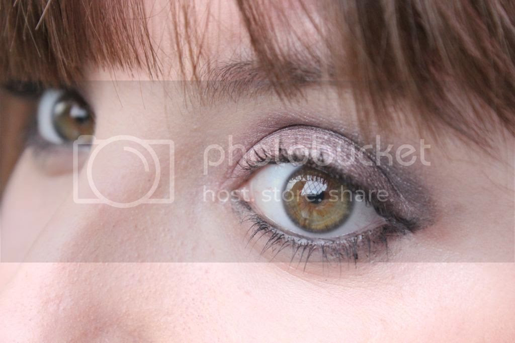 photo Makeup Rev eyes - Close up.jpg