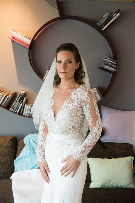Suzanne Neville Salvador Second Hand Wedding Dress on Sale
