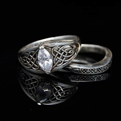 1000  images about Norse/Celtic Wedding Ring on Pinterest