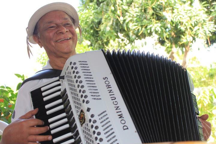 Dominguinhos doou uma sanfona que recebeu do músico Amazan ao Museu do Vaqueiro em São José do Mipibu