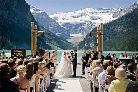 The Most Popular Wedding Venues in Canada and the World