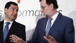 Mariano Rajoy amb el president del PP andalús, Juanma Moreno, aquest matí a Madrid (EFE)