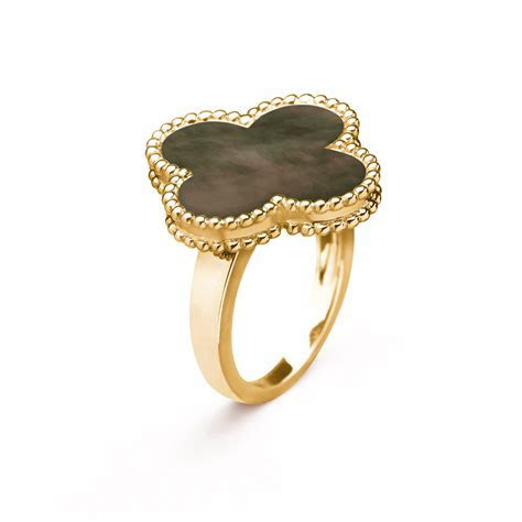 Magic Alhambra ring   VCARF79000  Van Cleef & Arpels