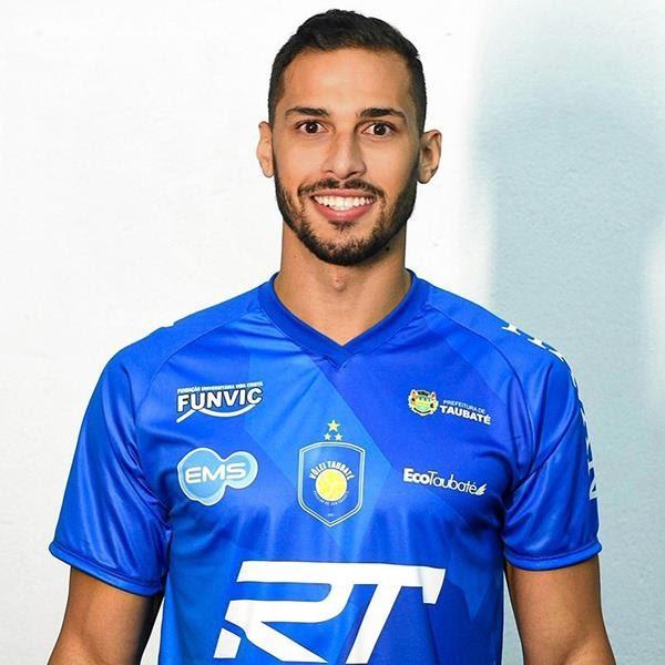 Famosos   Nude do jogador de vôlei, João Rafael