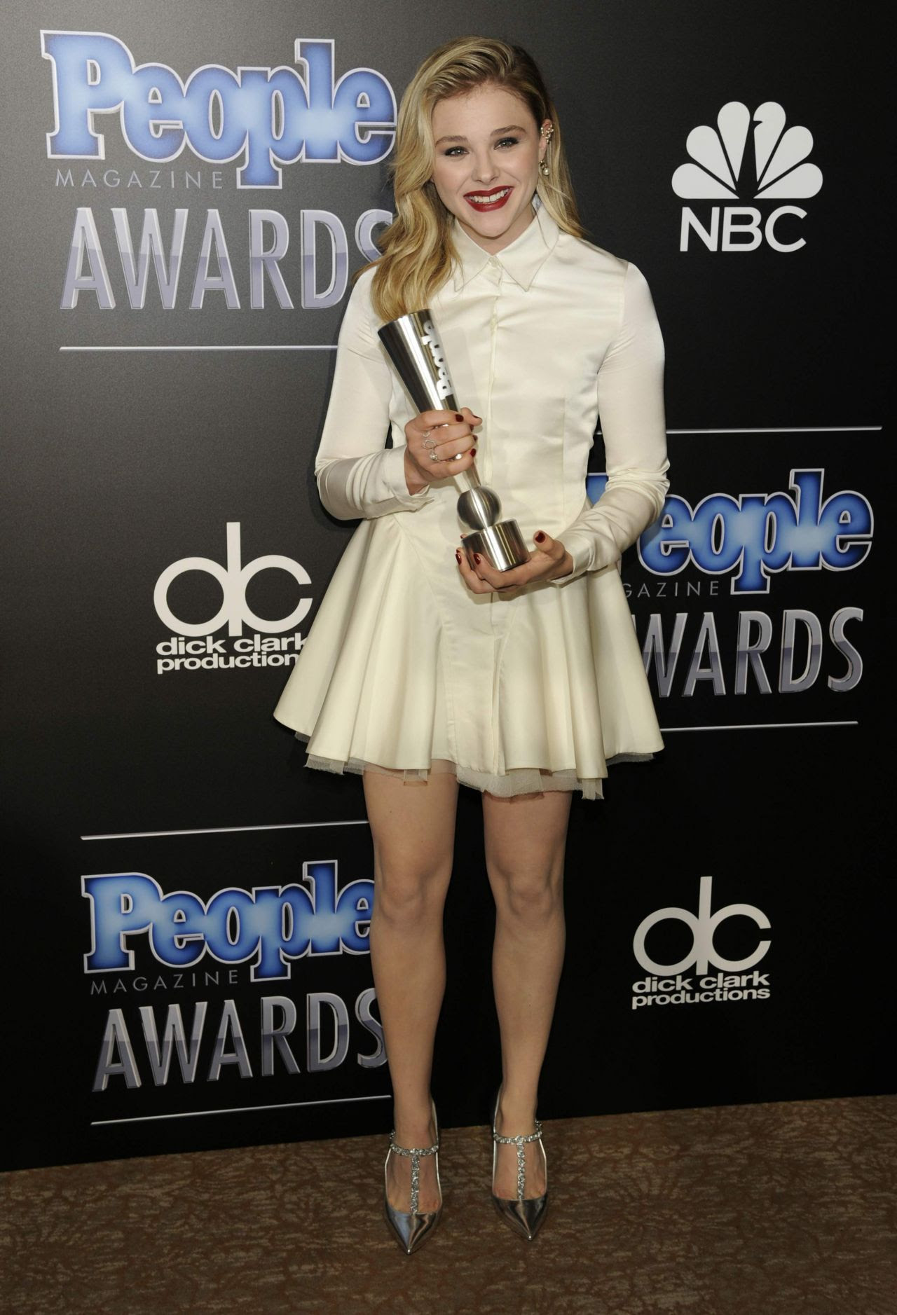 http://celebmafia.com/wp-content/uploads/2014/12/chloe-moretz-2014-people-magazine-awards-in-beverly-hills_5.jpg