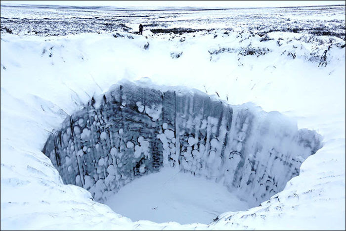 underground gas bubbles yamal peninsula, 7,000 Huge Gas Bubbles Have Formed Under Siberia and Could Explode at Any Moment, methane bubbles yamal peninsula