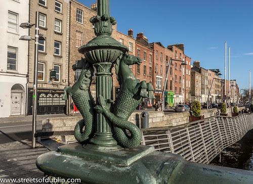Grattan Bridge - Dublin by infomatique