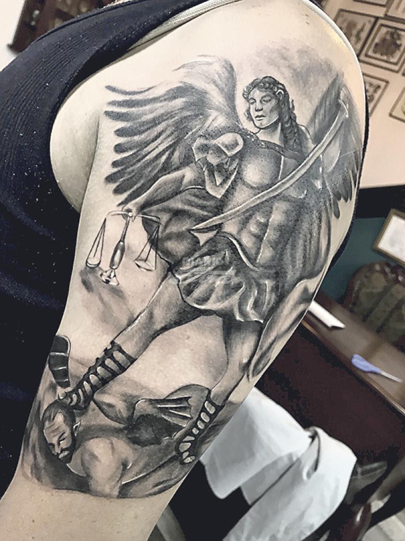 Diario Extra Ticos Buscan Tatuajes De Fe En Semana Santa