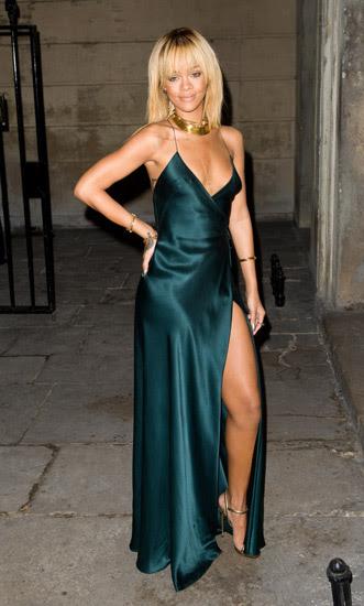 Rihanna Tampil Hot di London