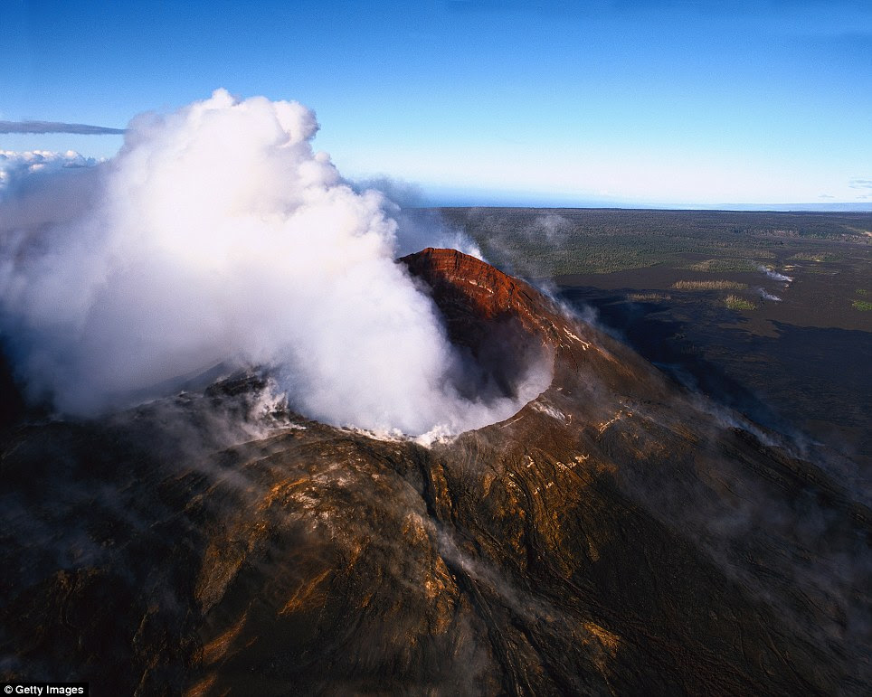 Kilauea, Hawaii: The world¿s most active volcano has been constantly erupting for over three decades on Hawaii, creating the fastest-growing land on the planet