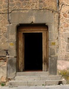 gothic-door-page26