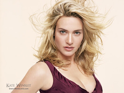 Kate Winslet beach hot seen