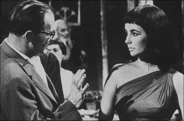 Elizabeth Taylor on the film set of 'Cleopatra', by Mankiewicz in 1963