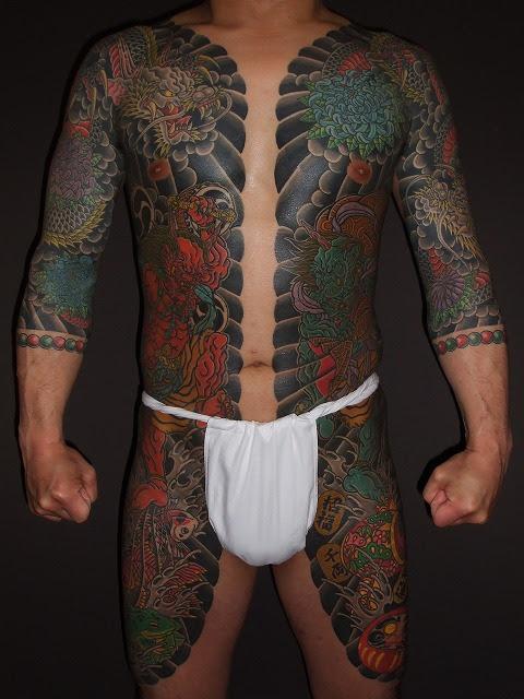 刺青 和彫り 胸割り - 警察関係にお詳しい方にお聞きします。私は左胸に胸割五分で和
