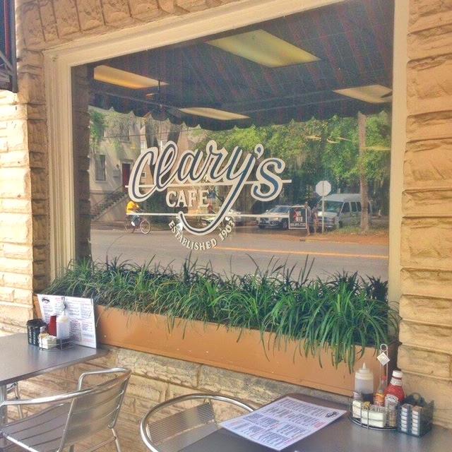Clarys Savannah USA Cafe