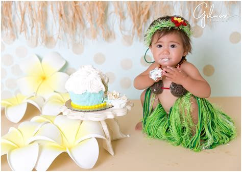 1st Birthday Cake Smash Session   Hawaiian theme!   Costa