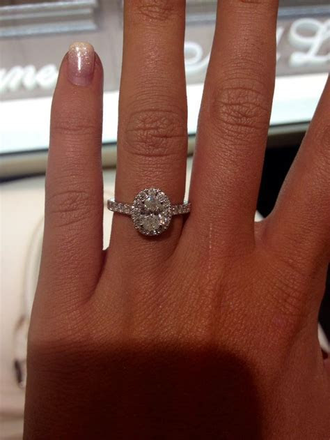 1000  ideas about Oval Engagement Rings on Pinterest