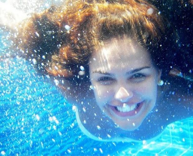 Paloma Bernardi abre album de fotos na piscina (Foto: Arquivo Pessoal)