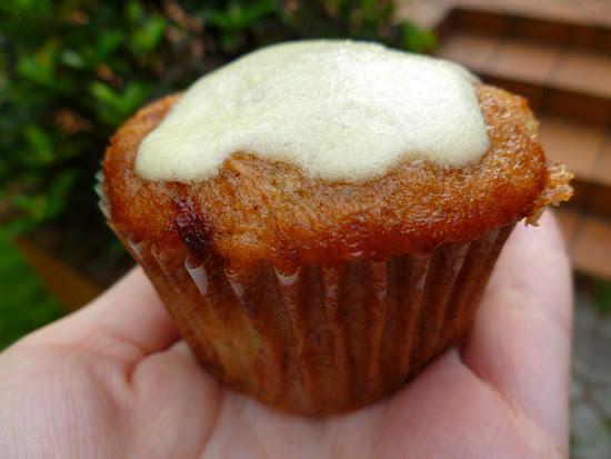 03 March 21 - Hummingbird Cupcakes (2)
