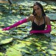 Anitta entra em rio com vitórias-régias para gravar clipe da música ' Is That For Me ' no meio da floresta Amazônica, no Norte do Brasil