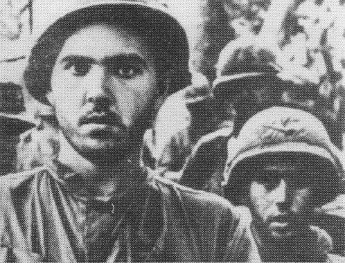 Arquivo: Tropas do 173rd vindo de folga depois de fazer campanha no Central Highlands (Batalha de Dak To, 1967) .jpg