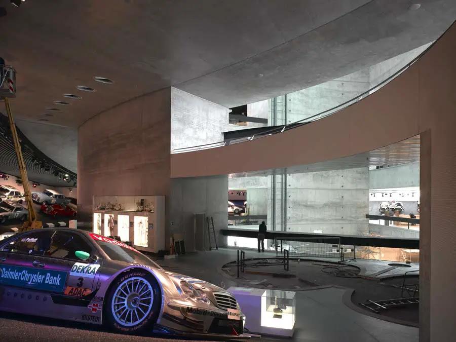 http://www.e-architect.co.uk/stuttgart/jpgs/mercedes_benz_museum_uns131108_cr_5.jpg