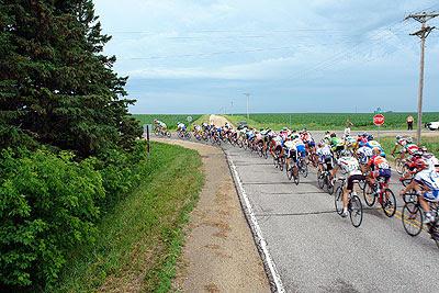 The peloton heads through a corner