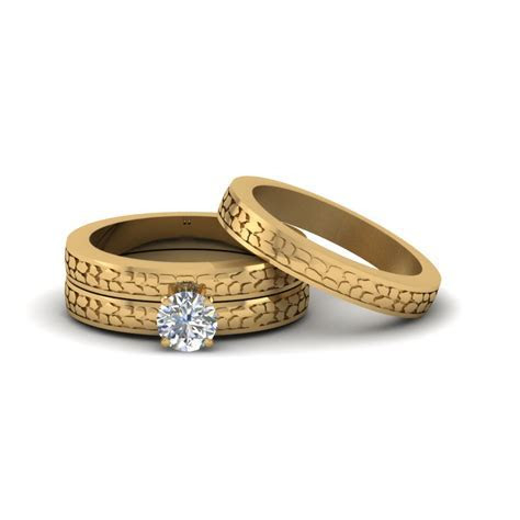 Round Cut Twist Rope Design Diamond Bridal Ring Sets In