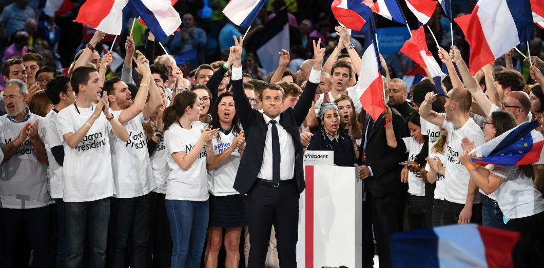 Le candidat de La République en marche à la présidentielle de 2017 au cours d'un meeting de campagne le 17 avril 2017 à l'AccorHotels Arena à Paris.   Eric Feferberg / AFP