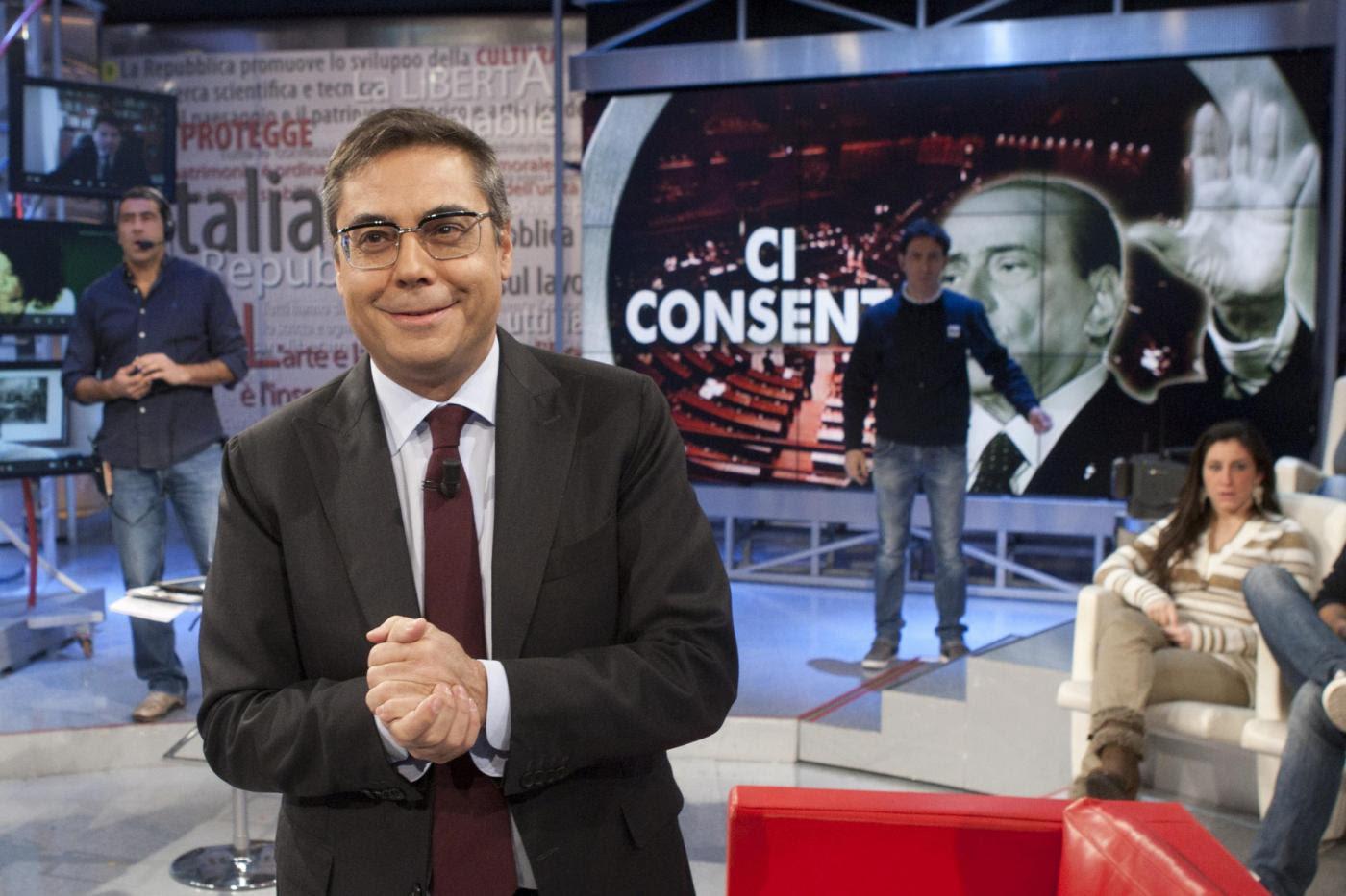 Beppe Grillo e i grillini che insultano Andrea Vianello su Twitter