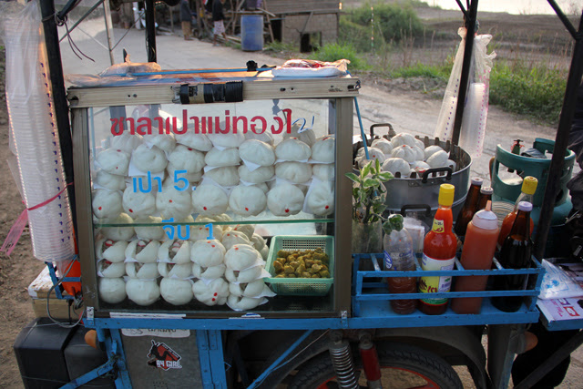 6631580365 e43092b028 o Thai Breakfast: 13 of the Most Popular Dishes