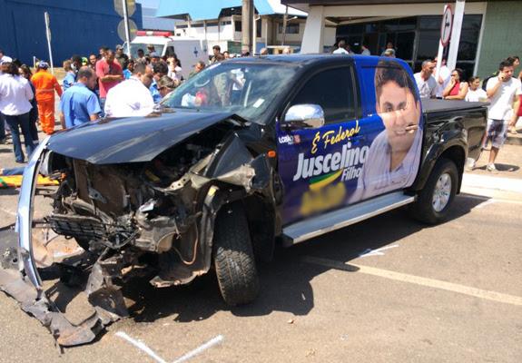 Carro em que a mãe de Juscelino Filho estava ficou destruído