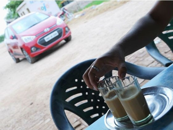 Hyundai Xcent petrol chai break along the highway
