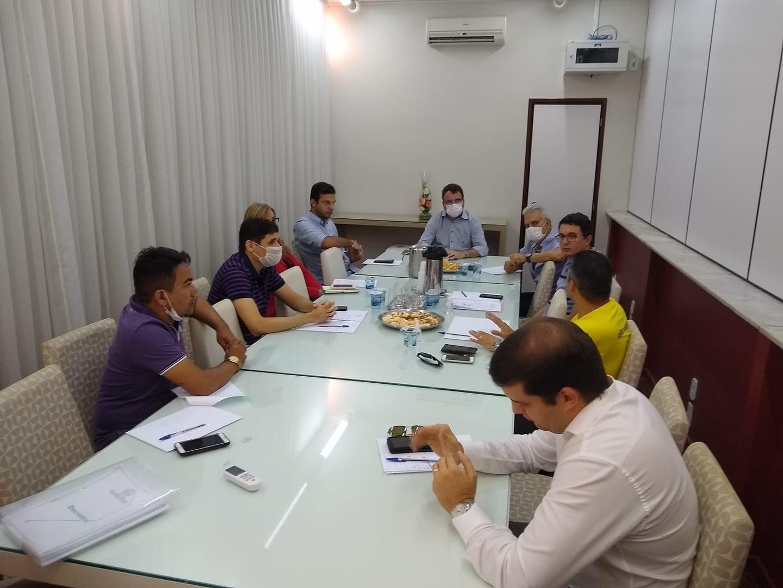 Prefeitura, representantes comerciais, Sebrae e instituições bancárias afinam discurso para enfrentamento ao coronavírus em Santa Cruz
