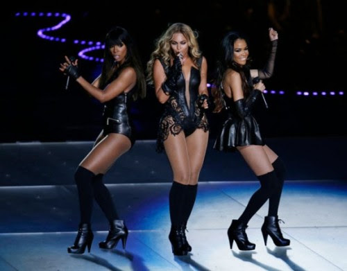 Destiny's Child reunion at the Superbowl! My Middle School Self and I are very happy right now. :)