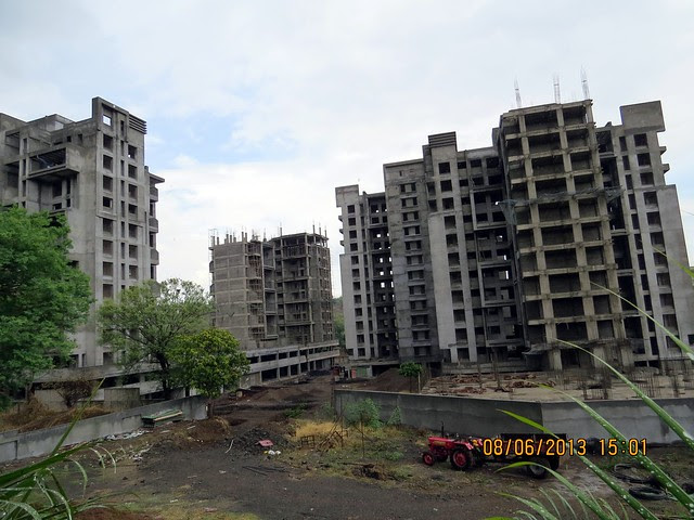 Under Construction Belair (Launched in July 2010) - Visit Mont Vert Belbrook 2 bhk 2.5 bhk 3 bhk flats at Bhugaon Pune 411042