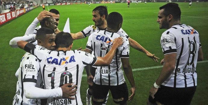 Corinthians x Ponte Preta Jadson grupo (Foto: Marcos Ribolli)