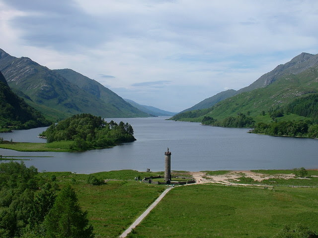 File:Loch Shiel and the Glenfinnan Monument - geograph.org.uk - 701693.jpg