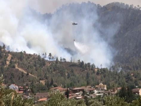 Καίγεται ολόκληρη η Κύπρος! Εκκενώνουν χωριά, μοναστήρια και αποθήκες πυρομαχικών - Σκοτώθηκε ένας δασοπυροσβέστης