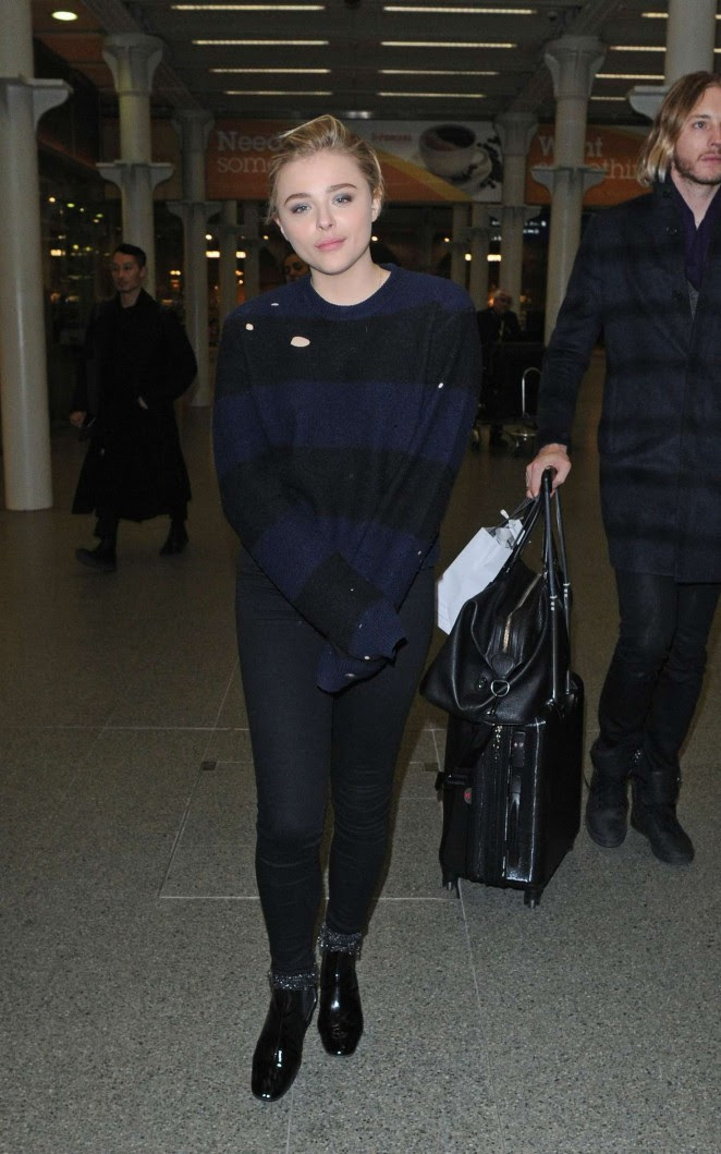 Chloe Moretz Ariving in London from Paris -10