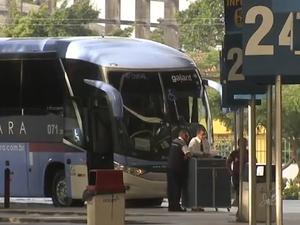 Rodoviária de Fortaleza recebe reforçou de 300 ônibus extras para o Carnaval (Foto: TV Verdes Mares/Reprodução)