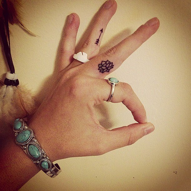 40 Cute Tiny Tattoo Ideas For Girls - Tattoo Inspirations